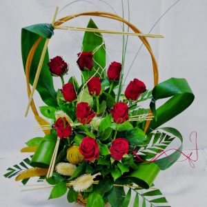 Aranžmani za zaljubljene – 003 Korpa sa crvenim ruzama
