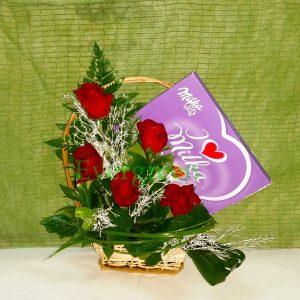 Aranžmani za zaljubljene – 015 ljubavni poklon