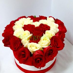 Aranžmani u kutiji – Flower Box – 001 Flower box u obliku srca