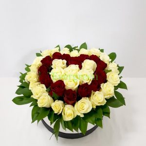 Aranžmani u kutiji – Flower Box – 002 Flower box u obliku srca
