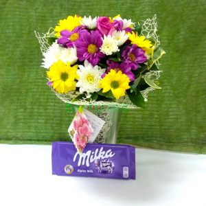 Aranžmani za rođendane – 005 – Šaren buket sa čokoladom