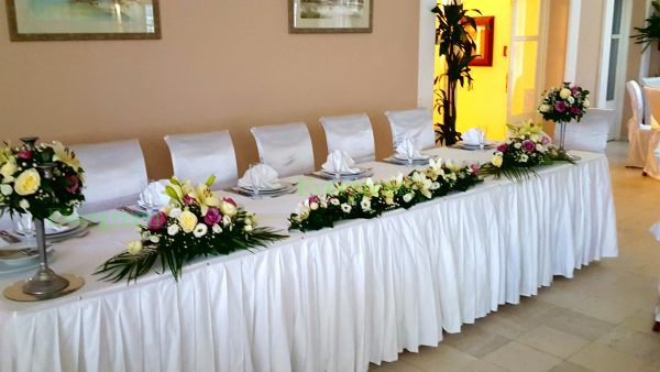 Dekoracija mladenačkog stola 049