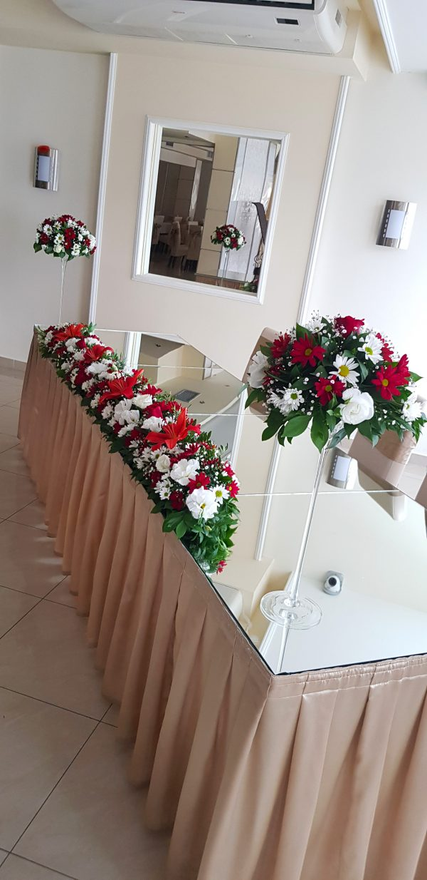 Dekoracija mladenačkog stola 036
