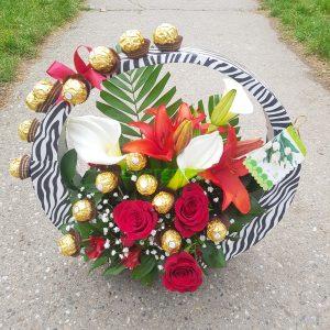 Aranžmani za sve prilike – 009 Klas sa cvećem i čokoladicama