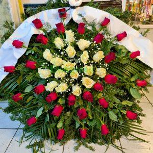 Venac – 039 – Venac od crvenih i belih ruža